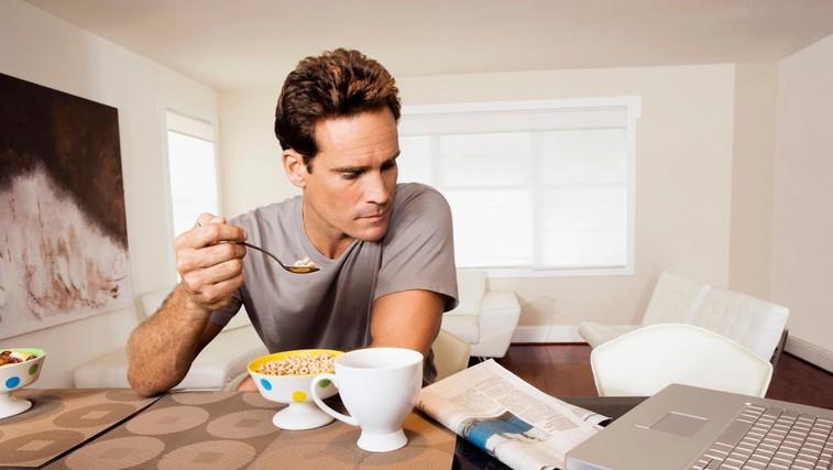 Kako veste, kdaj nehati jesti? (foto: Profimedia)