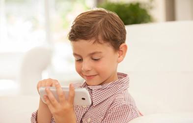 Kdaj je otrok dovolj zrel za mobilni telefon?
