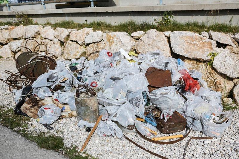 Pobrane smeti