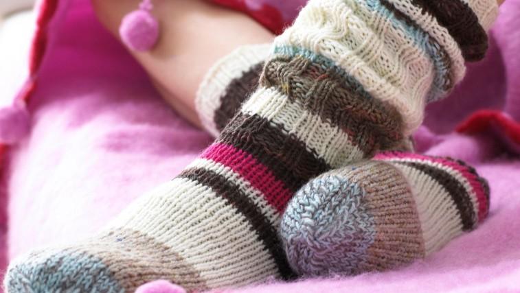 Kako segreti vedno mrzle noge? (foto: Profimedia)