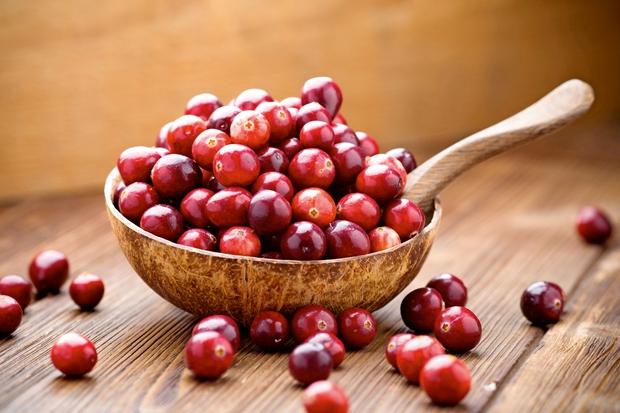 Brusnice Zelo zdravilne in z veliko C-vitamina. Vsebujejo tudi tanine (t. i. proantocianidine), ki bakterijam preprečujejo nalaganje in razmnoževanje. Brusnice …