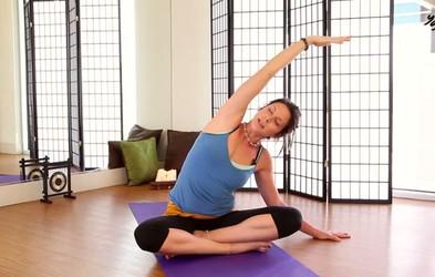 VIDEO: 30-minutno joga raztezanje proti bolečinam v hrbtu