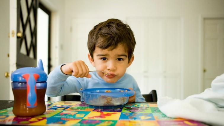 Zakaj je izjemno pomembno, da otroka naučite zajtrkovati? (foto: Profimedia)