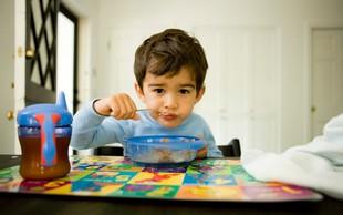 Zakaj je izjemno pomembno, da otroka naučite zajtrkovati?