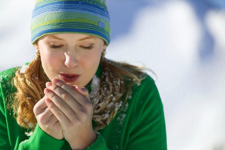 Najpogostejši vzrok za hladna stopala in dlani oziroma prste so nizke zunanje temperature. Pri nizkih temperaturah se drobne podkožne arterije …