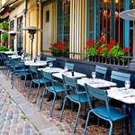 Sproščeno pohajkovanje po francoskih ulicah vas bo zagotovo navdušilo. Prepustite se toku in odkrijte pravo lokalno vzdušje.