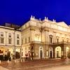 Znamenita je prav tako operna hiša La Scala, ki se kosa z največjimi opernimi hišami sveta.