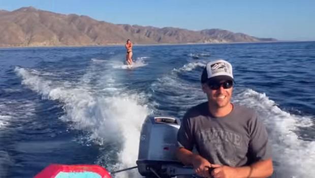 VIDEO: Deskala je na vodi, ko se je zgodilo nekaj čudovitega (foto: YouTube)