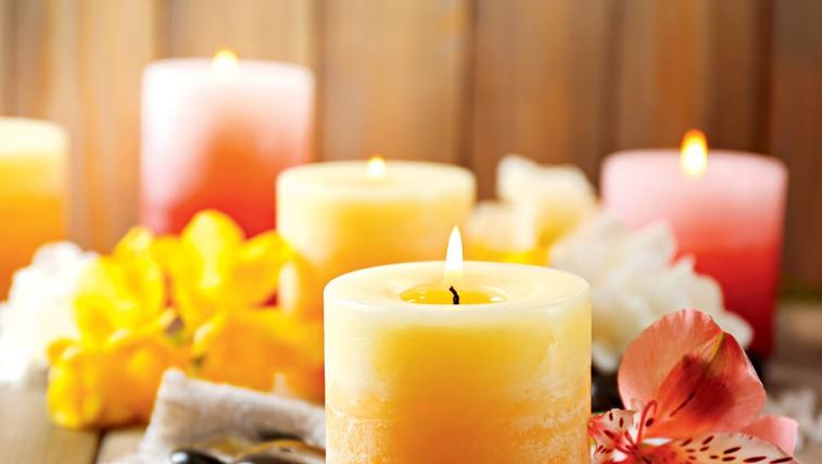Dišeče svečke lahko za nas storijo veliko več kot le razširjajo prijeten vonj (foto: Arhiv revije Lisa)