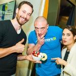 Repar in borec Denis Chorchyp ter igralca Saša Pavlin Stošić in Miha Rodman so pripravili proteinski puding z mikavno dekoracijo. (foto: Aleksandar Domitrica)