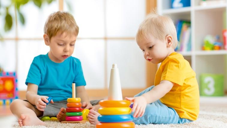 Ne pozabite: otroci se morajo igrati! (foto: Shutterstock.com)
