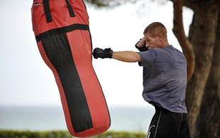 Aktivirajte celotno telo in pokurite odvečno maščobo