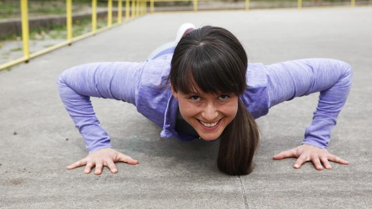 Osebna trenerka Hana Verdev: 'Želim, da bi se ljudem vrnila primarna želja po gibanju.' (foto: Helena Kermelj)