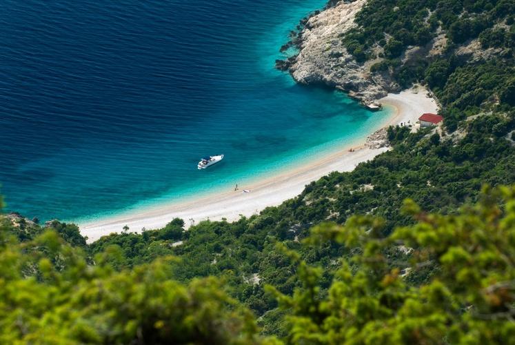 Plaža pod krajem Lubenice na otoku Cres, Kvarner