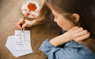 3 preproste tehnike, ki pomagajo pri opuščanju in sprostitvi