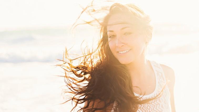 Za zdrave in lepe lase tudi poleti naredite naslednje ... (foto: Profimedia)