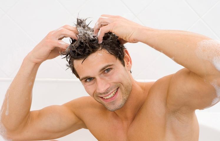 Prhljaj in srbenje lasišča Recept je zelo enostaven: šamponu, ki ga redno uporabljate, dodajte malo sivkinega eteričnega olja. Mešanica bo …