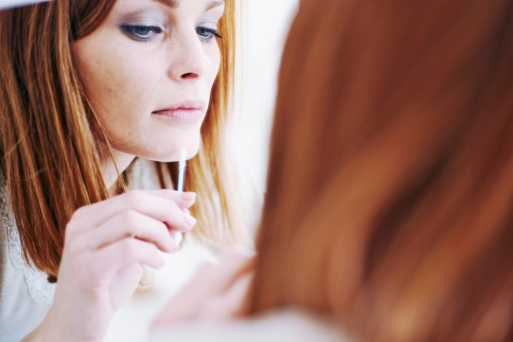 Akne in mozolji Sivka ima protiseptične in protibakterijske lastnosti ter je odličen pomočnik v boju proti mastni koži in aknam. …