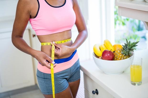 IZPUŠČANJE OBROKOV Izgubljanje teže zahteva med drugim omejeno število kalorij. Zato se zdi izpuščanje obrokov odličen način, kako to doseči …