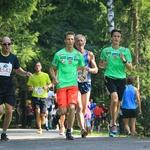 S slovenskimi športnimi junaki teklo kar 2.000 tekačev (foto: Mediaspeed)