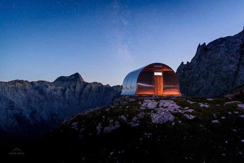 Nov bivak v osrčju Julijskih Alp