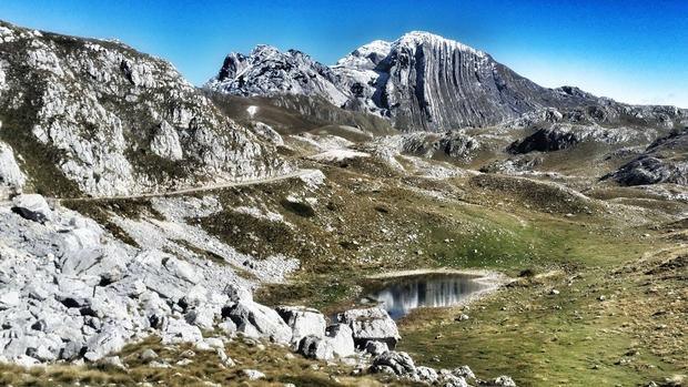 Na območju Durmitorja se nahaja kar 48 vrhov visokih nad 2000 metrov.