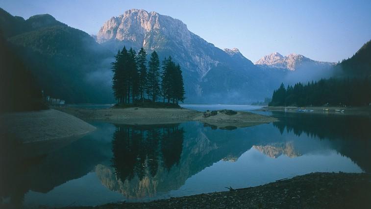 Slovenske pripovedke: Kako je nastalo Rabeljsko jezero? (foto: Profimedia)
