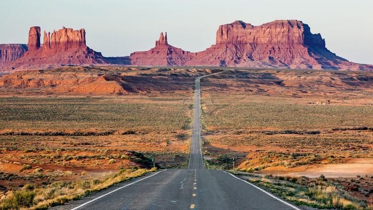 Iz Los Angelesa v Las Vegas in deželo Navajo Indijancev - divje zabave in puščavski veter (foto: Aleksander Leon Cvikl, Shutterstock)