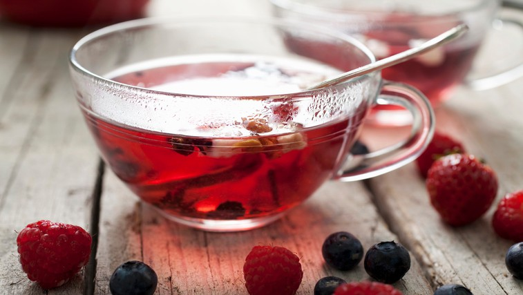 Sadni čaji z gozdnimi sadeži: Koliko gozdnih sadežev v resnici vsebujejo? (foto: Profimedia)
