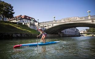 Naša najboljša suparka Manca Notar je na deski preveslala Ljubljanico. Nastal je tale čudovit video!