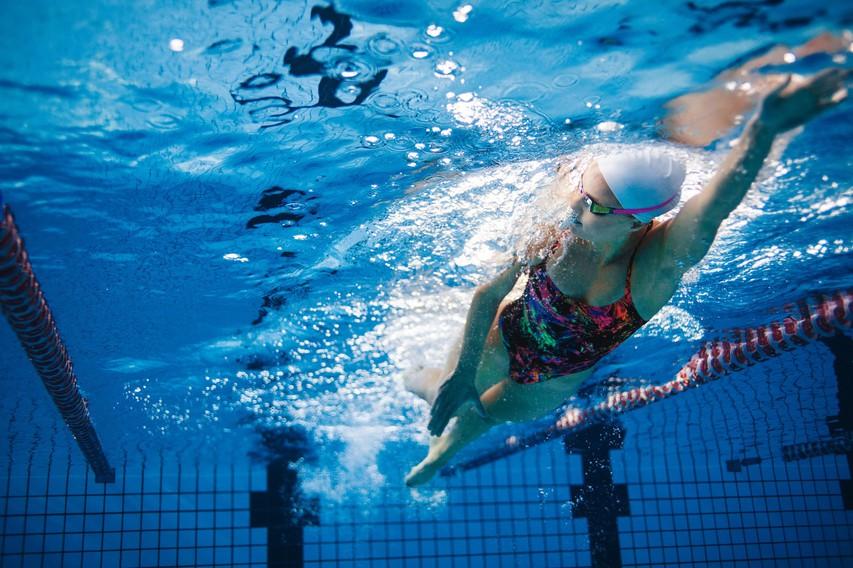 Trening v bazenu: Kravl - kaj je pomembno in kako vadimo