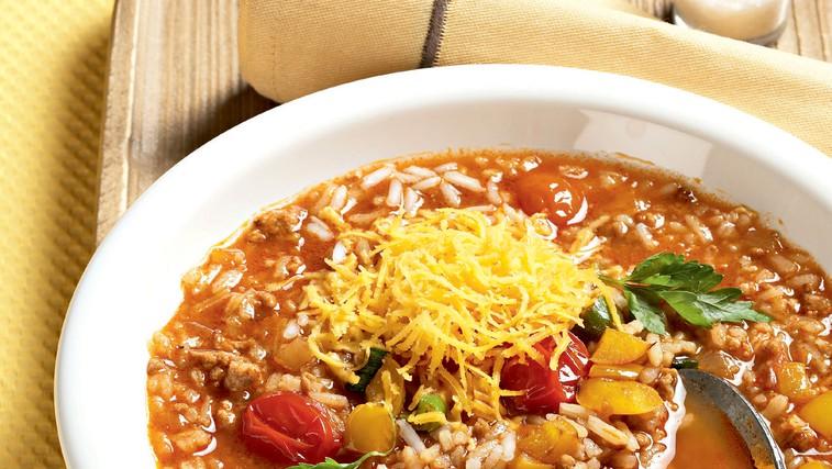 Ideja za kosilo ali večerjo: Riževa juha z mletim mesom (foto: Profimedia)