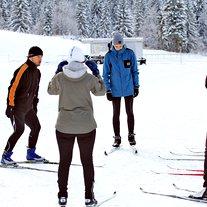 Trenerji so udeležence razdelili v skupine, glede na njihovo znanje teka na smučeh.