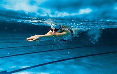7 razlogov, zakaj je plavanje tako koristno za vaše zdravje