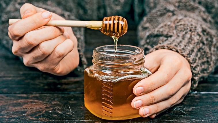 Zdravljenje s čebeljo medicino (foto: Profimedia)