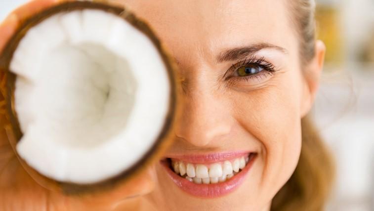 10 stvari, pri katerih ne uporabljate kokosovega olja, pa bi ga morali (foto: Shutterstock.com)