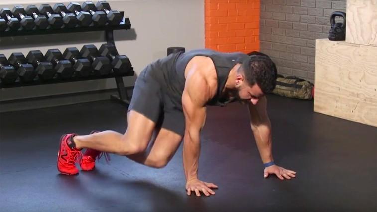 Trening za trebušne mišice, ki ga sestavljata le dve vaji (foto: YouTube)