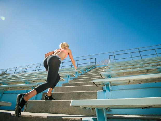 tek-po-stopnicah