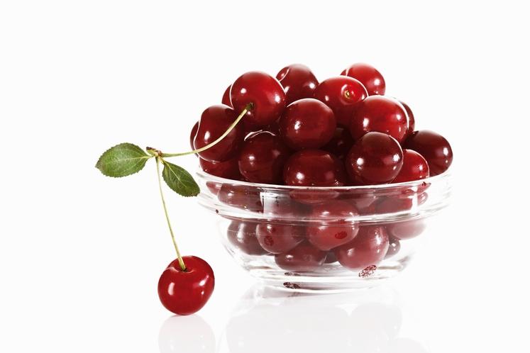 Rdeča skupina dobro učinkuje na prostato, sečila, ščiti pred rakom in srčnimi boleznimi. Sem spada: jabolko, rdeča pomaranča, češnje, granatno …