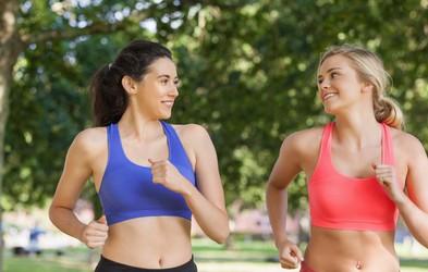 4 stvari, ki jih morate vedeti, če se na tek odpravljate v času menstruacije
