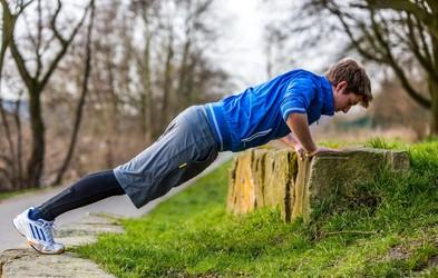Odličen trening, ki ga lahko naredite kjerkoli v naravi (Okrepili boste celo telo!)