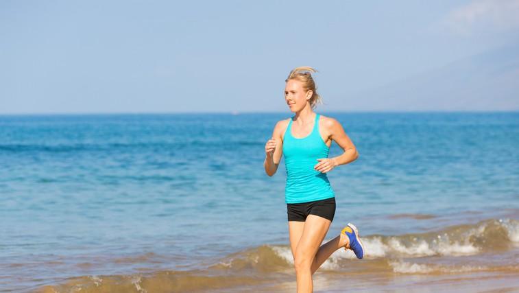 Toliko bi morali telovaditi, če v službi večino časa sedite (foto: Profimedia)
