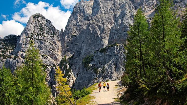 Najlepše pohodniške trase v Sloveniji in po svetu (foto: Shutterstock.com)