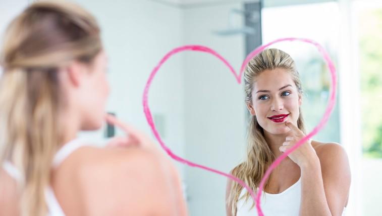 Vaja: Kaj vidite, ko se pogledate v ogledalo? (foto: Profimedia)