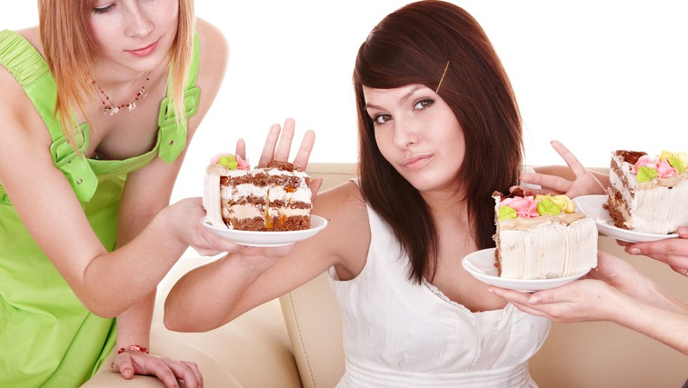 5 načinov, ki naravno uravnavajo vaš apetit (foto: torta)