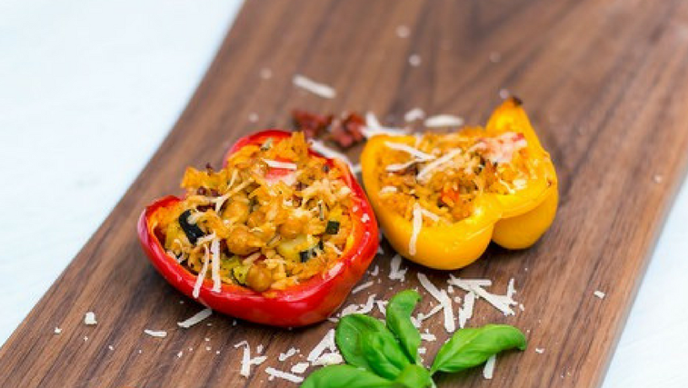 VIDEO: Vegetarijanske polnjene paprike