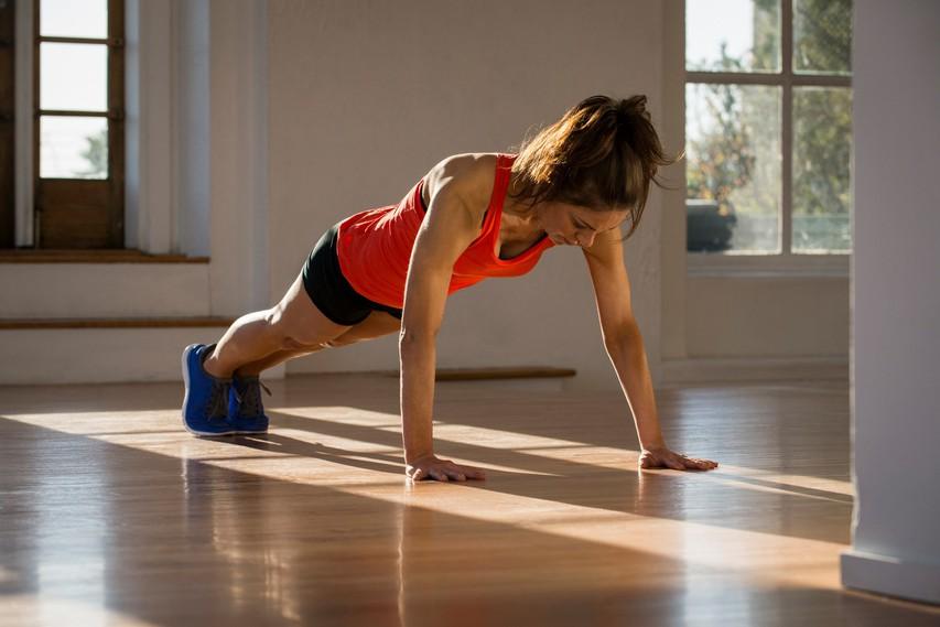 VIDEO: 3 vaje za čvrste trebušne mišice