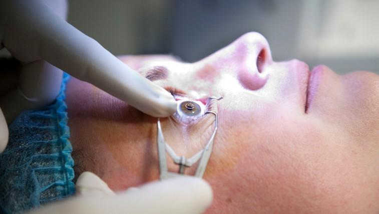 To morate nujno vedeti PREDEN greste na lasersko operacijo oči! (foto: Profimedia)