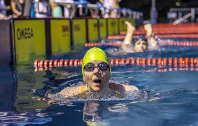 'Swim to Live' ali ko v plavanju tekmujejo profesionalci, otroci, upokojenci in invalidi
