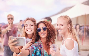Zakaj objavljamo selfije?